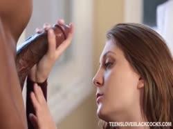 скриншот для Черный мужик насадил девку на большой член