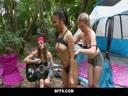 Скриншот для Девки устроили с мужиком групповуху на пикнике